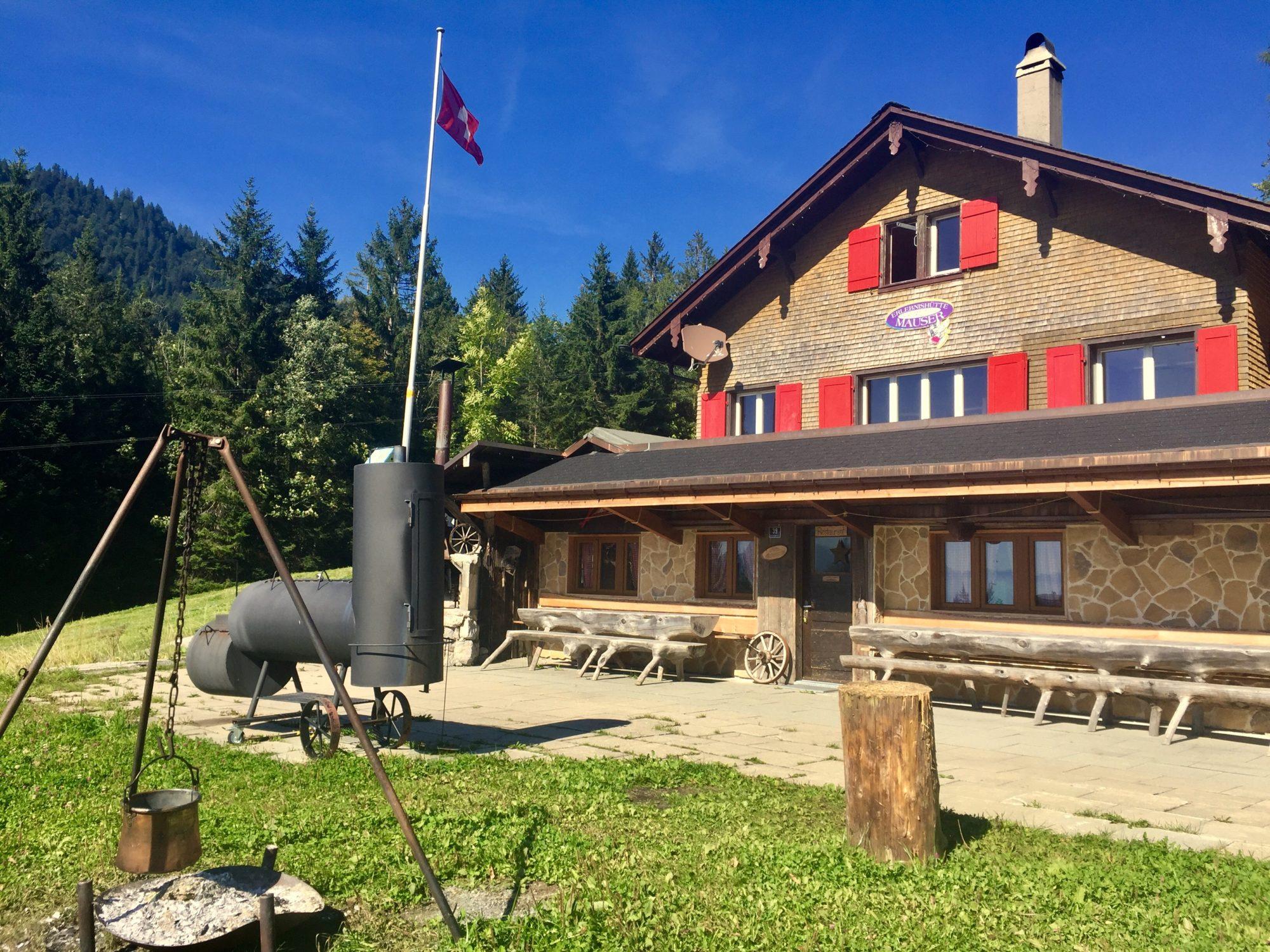 Mauserhütte - Pistenbeizli und Ferienhaus